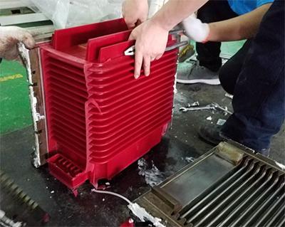 环氧树脂灌胶机客户案例,久耐机械签约苏州ABB