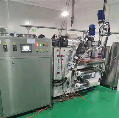 硅胶发泡机生产现场